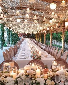 Amazing new gorgeous wedding decorations ideas 34 - Dekoration Ideen Summer Wedding Decorations, Wedding Themes, Wedding Events, Wedding Ceremony, Beach Ceremony, Themed Weddings, Wedding Colors, Wedding Photos, Magical Wedding