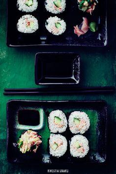 """Sushi"" z łososiem teriyaki { ""Sushi"" - baked Teriyaki Salmon, Cucumber, Sesame sauce and Mayonnaise } Raw Food Recipes, Seafood Recipes, Seafood Meals, Sushi Bake, Baked Teriyaki Salmon, Raw Desserts, Happy Foods, Fish And Seafood, I Love Food"