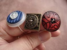 How to Make Button Rings Tutorials.  I have some beautiful vintage buttons for this!