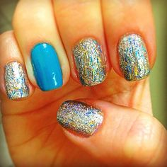 cute nails - switch up from one sparkle nail, to one solid colored nail! Super Cute Nails, Great Nails, Sparkly Nails, Glitter Nails, Blue Glitter, Blue Nails, Hot Nails, Hair And Nails, Nail Polish Art