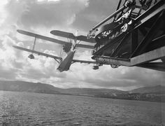 Supermarine Walrus is launched from one of the aft catapults of HMS Pegasus, September 1942 Amphibious Aircraft, Ww2 Aircraft, Military Aircraft, Flying Ship, Flying Boat, Royal Navy Aircraft Carriers, Royal Australian Air Force, Vintage Airplanes, Aircraft Design