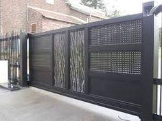 """Résultat de recherche d'images pour """"portail coulissant contemporain en fer"""" House Main Gates Design, Front Gate Design, Door Gate Design, Fence Design, House Front Gate, Front Gates, Entry Gates, Entrance, Aluminum Driveway Gates"""