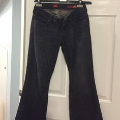 STELLA EXPRESS DENIM IN SIZE 2short! Flared denim from express (stela style) size 2 short! Worn once Express Jeans