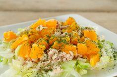 Salade van makreel, sinaasappel en ijsbergsla