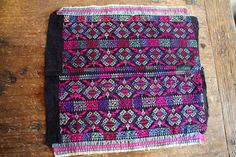 Beautiful geometrical embroidery vintage by TextilesVillage