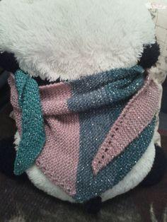 Une jolie laine dans les couleurs qu'elle aime pour un petit chèche pour son anniversaire.