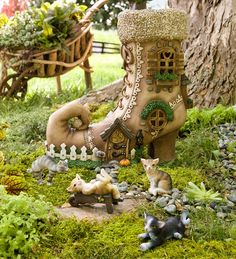 Lighted Shoe Fairy House with Four Cat Figurines Set in Collection Accessories