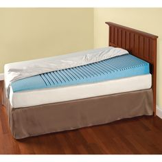 The Inclined Mattress Topper - Hammacher Schlemmer - This is the gently inclined mattress topper that provides relief from the symptoms of heartburn, sinus congestion, and snoring.