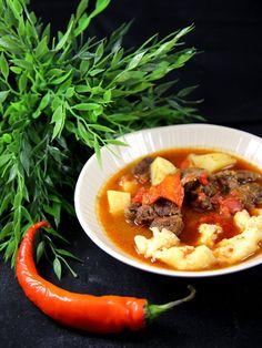 Goulash hongroise traditionnelle - Recette de cuisine Marmiton : une recette