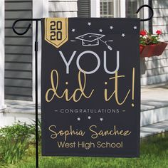 Add our Personalized You Did It Graduation Garden Flag to your yard's decor to celebrate your grad's achievements! Add their name, grad year, and high school. Graduation Party Planning, College Graduation Parties, Graduation Celebration, Graduation Party Decor, Graduation Sayings, Graduation Shirts, Graduation Ideas, Grad Party Decorations, Graduation Open Houses
