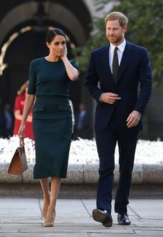 Meghan Markle Wears Green Skirt and Sweater in Ireland - Meghan Markle Green Givenchy Dress