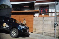 A pesar de los deseos de paz en estas fiestas, para algunos la violencia sigue siendo parte de su vida (Benjamín Núñez Vega)   Pareja recién casada aparece asesinada dentro de vivienda en Barva de Heredia - La Nación http://www.nacion.com/sucesos/crimenes/pareja-aparece-asesinada-dentro-de-vivienda-en/JNT7X3QHWVFU7IPW7LMPSZ4TGM/story/