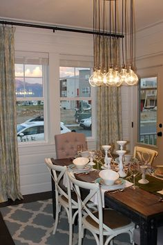 """""""Isabelle Thornton"""" Le Chateau des Fleurs: Parade of homes and blogger's DIY house"""
