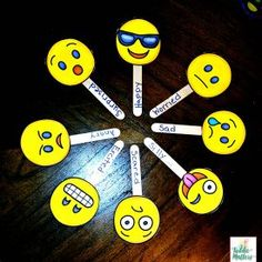 Emoji Feeling Faces: Emotion Recognition Source by Teaching Emotions, Emotions Activities, Social Emotional Learning, Social Skills, Teaching Kids, Visual Learning, Feelings Chart, Feelings And Emotions, Emotion Recognition