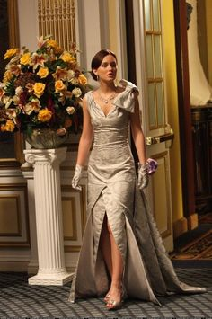 Image uploaded by Diana Rosa. Find images and videos about gossip girl, blair waldorf and leighton meester on We Heart It - the app to get lost in what you love. Gossip Girl Blair, Gossip Girls, Gossip Girl Series, Mode Gossip Girl, Estilo Gossip Girl, Blair Waldorf Gossip Girl, Gossip Girl Outfits, Gossip Girl Fashion, Fashion Tv