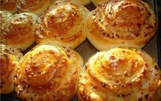 nice Pastry with cheese Cheese Scones, Cheese Muffins, Macedonian Food, Sweet Pastries, Russian Recipes, Savory Snacks, Different Recipes, Baking Recipes, Easy Recipes