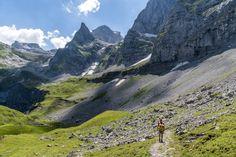 Walenpfad - Wanderung von Brunni auf die Bannalp - Engelberg Engelberg, Europe Continent, Continents, Things To Do, Travel Photography, Scenery, Places To Visit, Hiking, Wanderlust