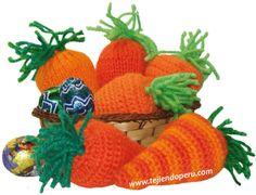 Tutorial: zanahorias de Pascua para rellenar con huevos de chocolate o sorpresas!  Están tejidas unas en crochet (amigurumi) y otras en dos agujas o palillos!
