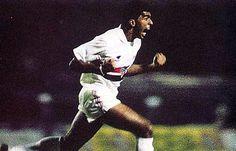 """Heroi de 91, Mário Tilico relembra gol: """"Marcou minha vida"""" (Por Placar - Mário Tilico vibra com a camisa do São Paulo) http://www.saopaulofc.net"""