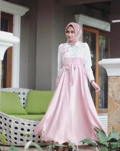 """3,247 Likes, 17 Comments - Shella Alaztha (@shellaalaztha) on Instagram: """"wearing wide dress from @ainayya.id and rawis square hijab from @rda_id ❤️"""""""