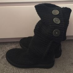 Black UGG cardy knit boots Perfect condition. Worn very limited amount of times. Fur inside not worn! Can be worn two different ways for two completely different styles!- folded over or unfolded!!! Tags: boho chic trendy sale clearance deal follow game uggs black pink kors trend fringe bralette boots Buddha yoga leggings Nike UGG Shoes Black Uggs, Knit Boots, Almost Perfect, Yoga Leggings, Ugg Shoes, Fashion Tips, Fashion Design, Fashion Trends, Different Styles