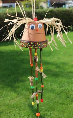 Tinker garden decor from clay pots: ideas for clay pots - basteln ideen - Plantio Craft Projects, Crafts For Kids, Projects To Try, Arts And Crafts, Autumn Crafts, Spring Crafts, Clay Pot Crafts, Wood Crafts, Diy Flowers