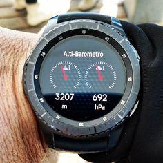 Fatemi scendereeeeeeeeeeee ho le vertigiiniiiiiiiiiii!! io e il mio @samsungitalia #gearS3 siamo in cima al Monte Rosa con @allegroitalia_ !!!!! #tw #fb #alagna