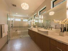 Designer selected bath and large, walk-in shower 2210 Greenlee Dr, Austin, TX 78703