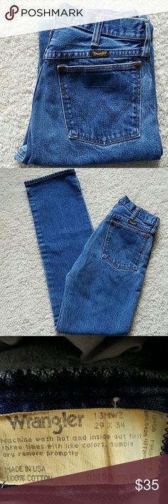 WRANGLER VINTAGE JEANS VINTAGE WRANGLER JEANS  SIZE TAGGED: W29 L34 MEASURED: W27 L332 1/2 RISE:11 HIPS:36 Wrangler Jeans Straight Leg