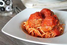 Spaghetti con sugo di polpette - le mitiche meatballs Giallozafferano