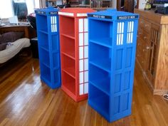 HAHA! Docter who bookshelves! Haha.. Maia needs these in her room. @Abigaile Wichman.