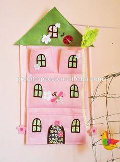 Eco friendly Felt Fabric Pink House Bow Holder and wall pocket made in China