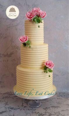 Rob & Nadine's wedding cake