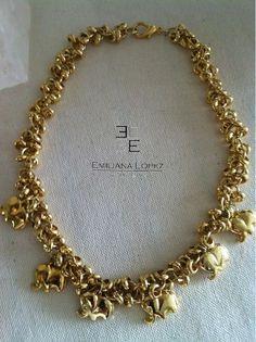 Collar dorado con medallones en forma de elefantes.  150€ http://es.dawanda.com/product/47513658-Collar-de-elefantes