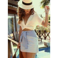 Impossível mais chic para o verão! AMO essa combinação de listras com branco!  Perfeito esse look @closetdeluxeatacado  Verão perfeito! #lalaontour #lalaempipa #closetviaja #chouchouviaja