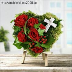 Rosenherz auf Steckmoos Funeral Flower Arrangements, Funeral Flowers, Funeral Caskets, Casket Flowers, Funeral Tributes, Memorial Flowers, Sympathy Flowers, Flower Power, Christmas Wreaths