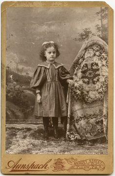 Fotos antiguas extrañas de niños con sus madres escondidas | Rincón Abstracto