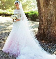 Anne Hathaway vestida de Valentino
