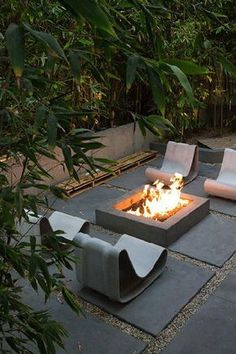 9 Genuine Tips: Flagstone Fire Pit Ideas easy fire pit patio.Simple Fire Pit Fireplaces fire pit ring how to build. Easy Fire Pit, Small Fire Pit, Modern Fire Pit, Outdoor Rooms, Outdoor Gardens, Outdoor Living, Living Haus, Rustic Fire Pits, Fire Pit Furniture