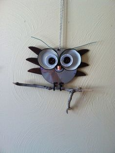 Owl from CD, jar lids and buttons