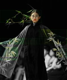 Vietnam Fashion Week FW14 - Haute Couture. Designer: Minh Hanh Photo: Thanh Dat