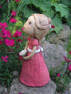 Malá družička (na objednávku) Garden Totems, Garden Sculpture, Paper Mache, Sculpting, Angels, Clay, Dolls, Christmas Ornaments, Holiday Decor