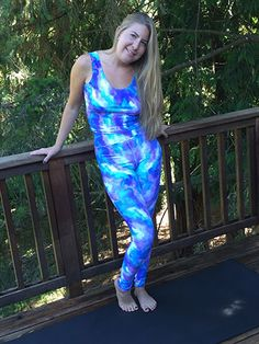 Printed Yoga Pants, Yoga Leggings, Shades Of Blue, Polyester Spandex, Tie Dye, Pants For Women, Crop Tops, Elegant, Pink