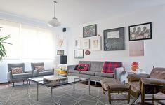 O apê foi projetado pelo arquiteto Mauricio Arruda para um homem que curte móveis modernos e arte, mas não gosta de muitas cores. Por isso, na decoração predomina o cinza. Na parede, os quadros foram colocados de forma intuitiva, sem medidas rígidas