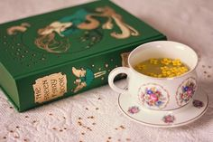 The Green Fairy Book and some tea Tea Cup Art, Tea Cups, Tea And Books, Favim, Simple Pleasures, Vintage Books, Hot Chocolate, Book Worms, Are You Happy