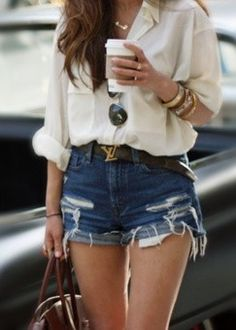 Easy outfit to put together still look stylish. Add stylish #accessories and you are good to go!
