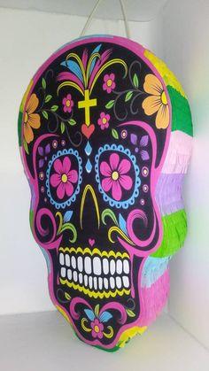 Halloween Makeup Sugar Skull, Sugar Skull Costume, Cool Halloween Makeup, Sugar Skull Makeup, Sugar Skull Art, Halloween Skull, Vintage Halloween, Halloween Crafts, Skeleton Makeup