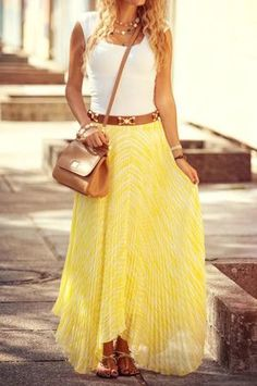 Yellow skirt and white tee outfit, summer holiday inspiration