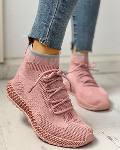 Net Surface Breathable Lace-Up Yeezy Sneakers Yeezy Sneakers, Sneakers Mode, Casual Sneakers, Casual Shoes, Shoes Sneakers, Ladies Sneakers, Women's Sneakers, Black Sneakers, Women's Shoes