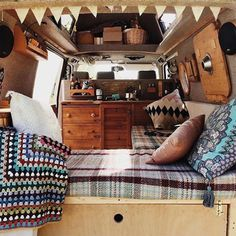 93 Top RV Camper Van Interior Decorating Ideas - Page 2 of 95 Sprinter Camper, Camping Car Sprinter, Kangoo Camper, Diy Camper, Camper Life, Rv Campers, Camper Ideas, Teardrop Campers, Vw Camper Vans